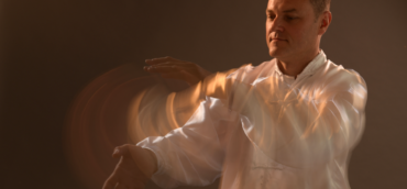 Petr Kochlík cvičení Qi Gong
